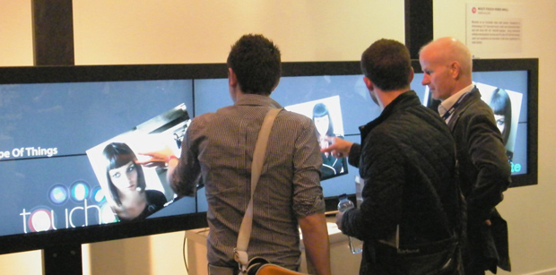 Mutli Touch Video Wall Display
